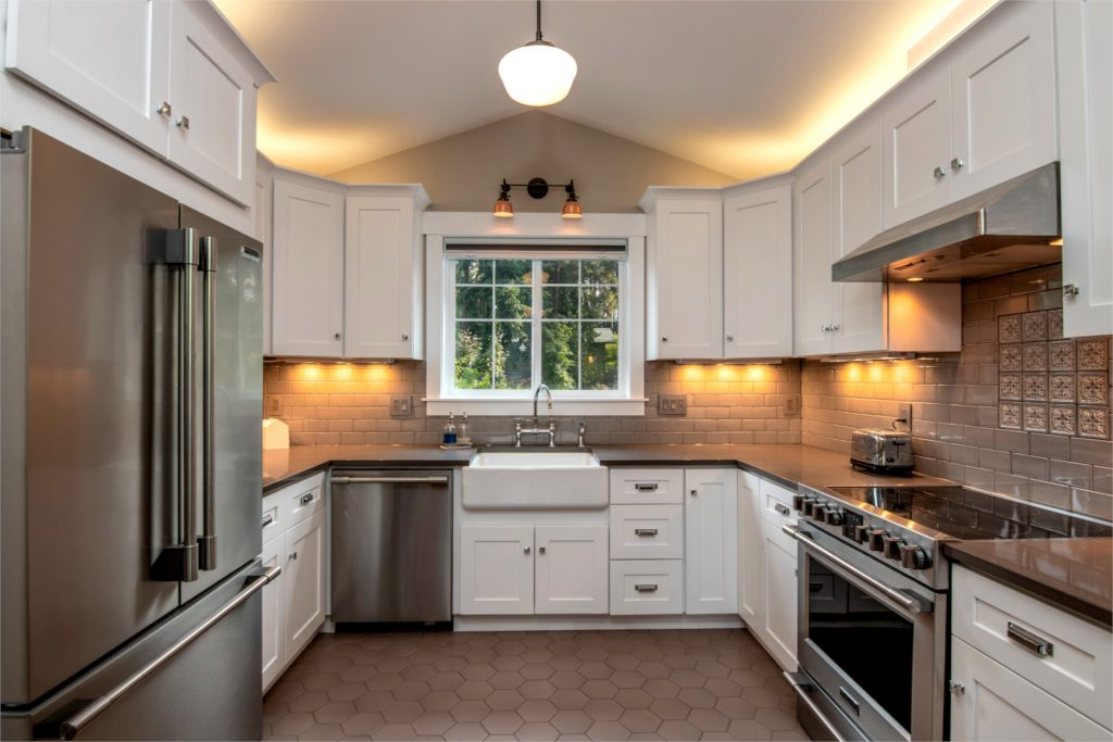 Thermofoil Kitchen White Aart Shaker